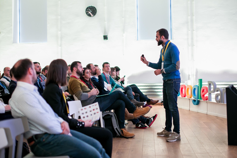 """""""Google"""" moko ateities rinkodaros agentūras, tarp jų – dvi iš Lietuvos"""