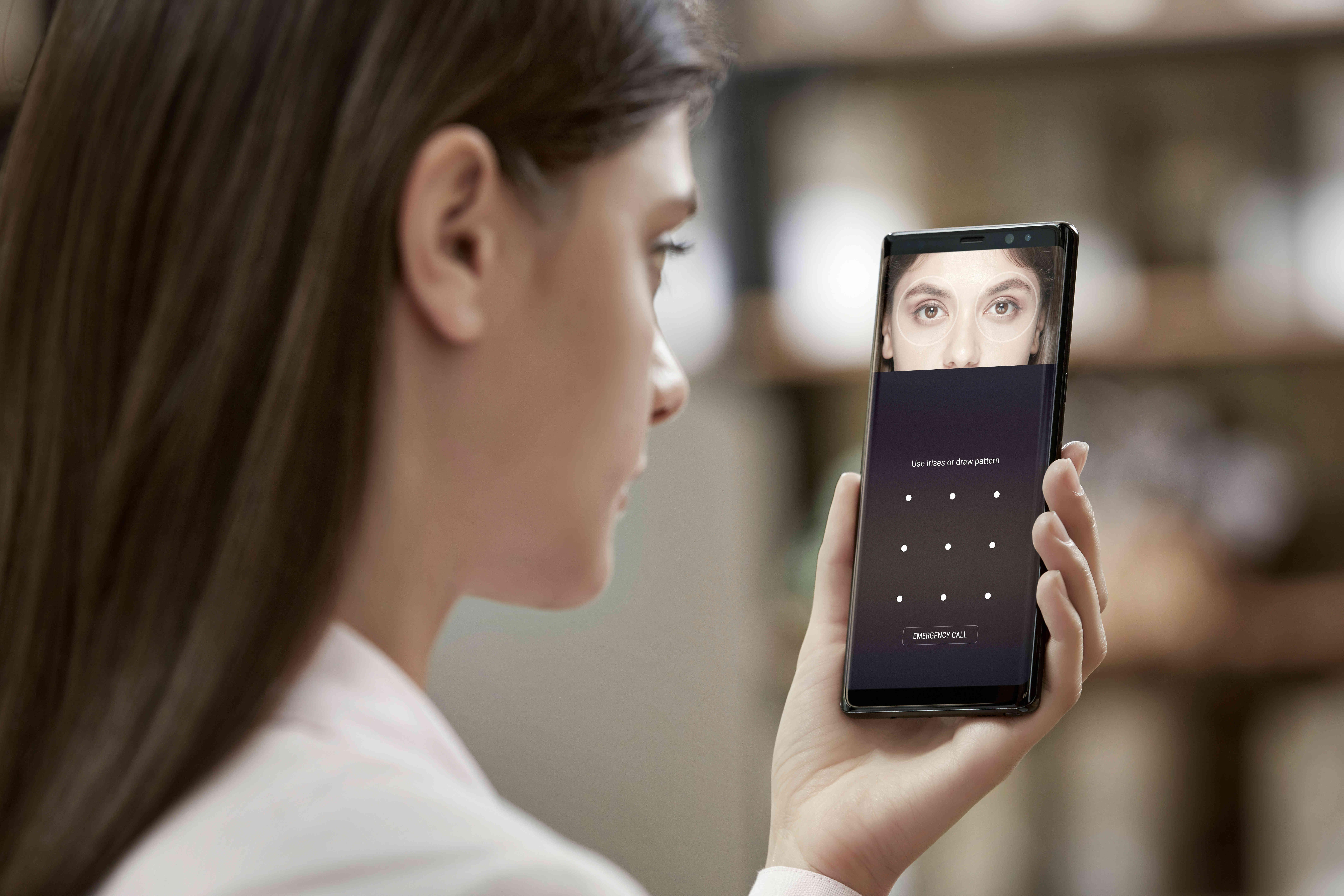 Išmaniojo telefono apsaugos gidas: trys žingsniai užtikrinantys duomenų saugumą telefone
