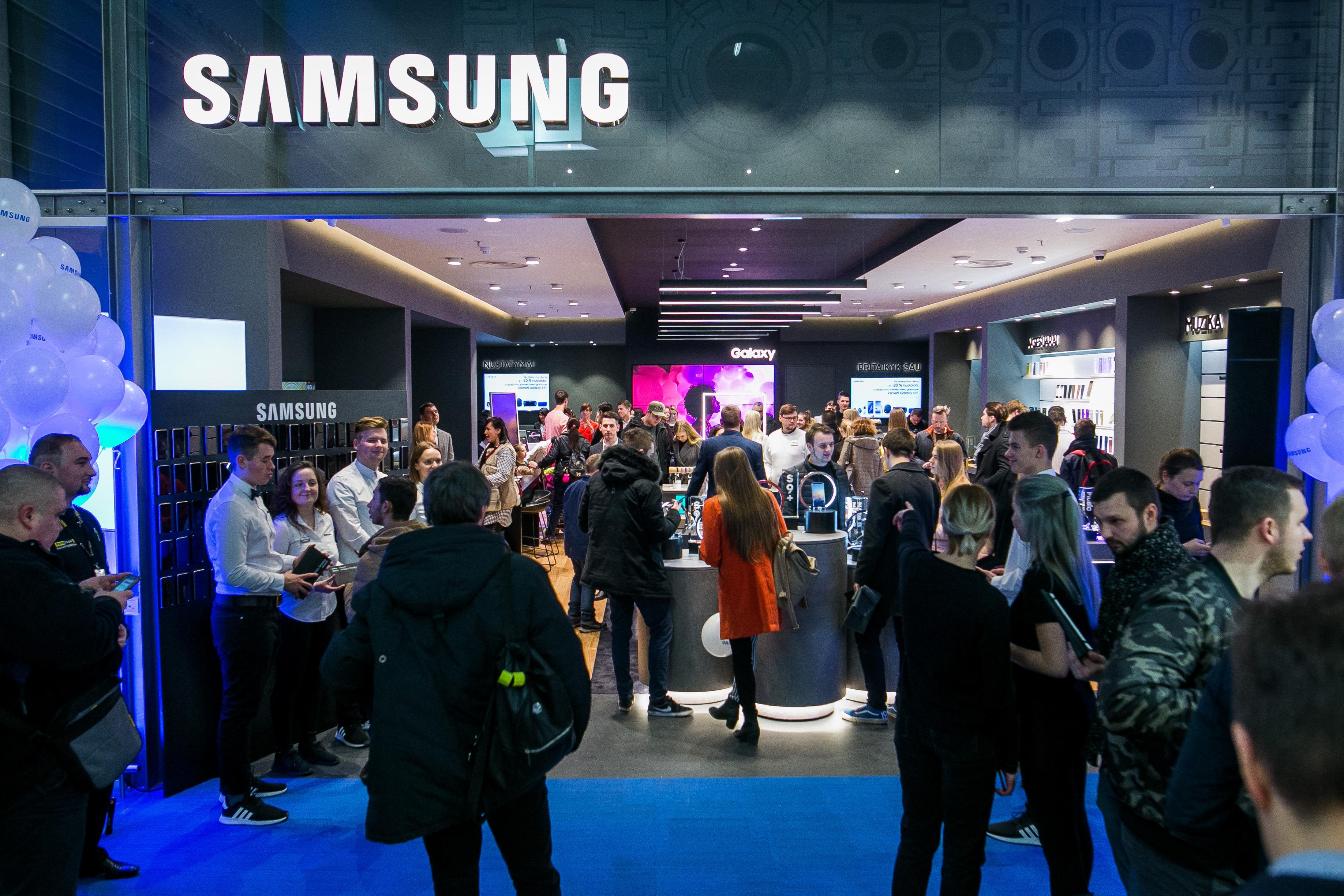 """""""Samsung"""" stiprina savo pozicijas: Lietuvoje duris atvers jau šeštoji parduotuvė"""