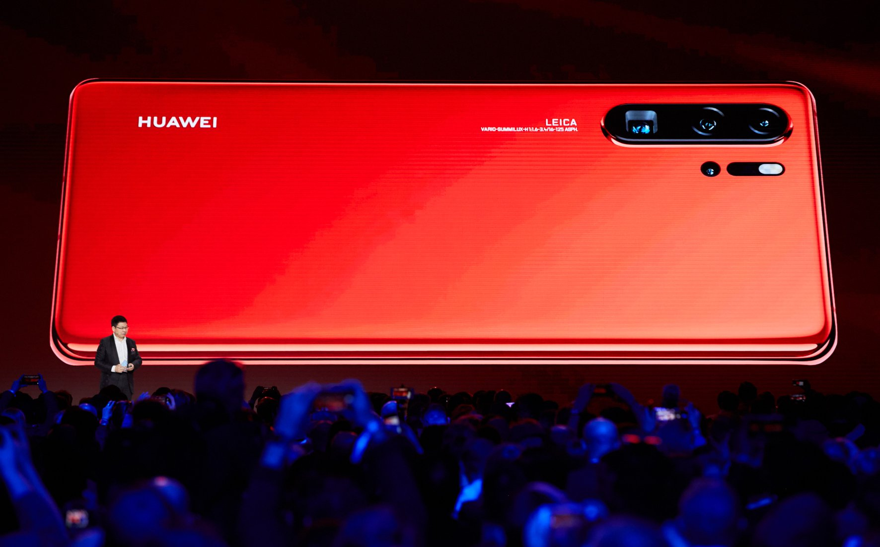 """""""Huawei"""" gerino finansinius rodiklius: žada pasiūlyti daugiau naujovių"""
