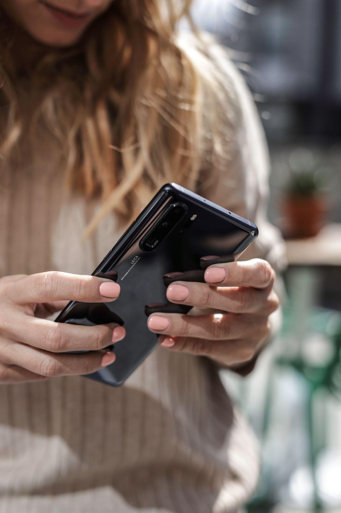Didžiausia išmaniųjų telefonų savininkų baimė – sudaužyti telefono ekraną