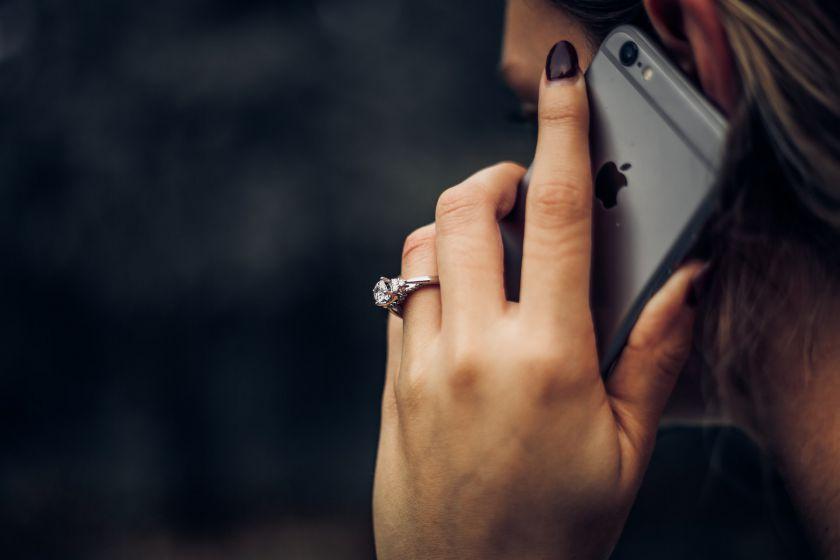 """Nauja """"Wangiri"""" telefoninių sukčių atakos banga Lietuvoje: kas tai ir kaip apsisaugoti?"""